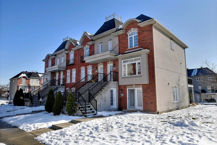 7810, Rue Angèle, Duvernay (Laval)